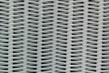 A white spiral polyester pulp washing fabric in common style without any inserting heddle.